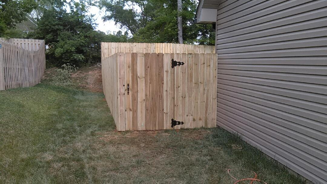 Home Fence Installation in Knoxville TN