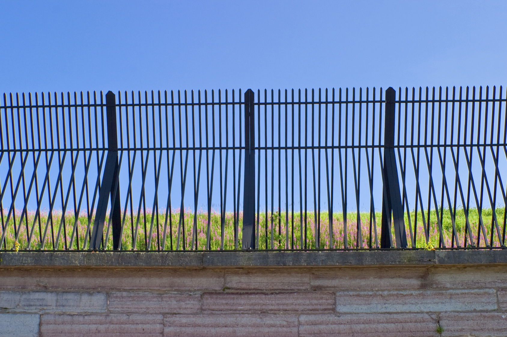 Iron Fence installation in knoxville
