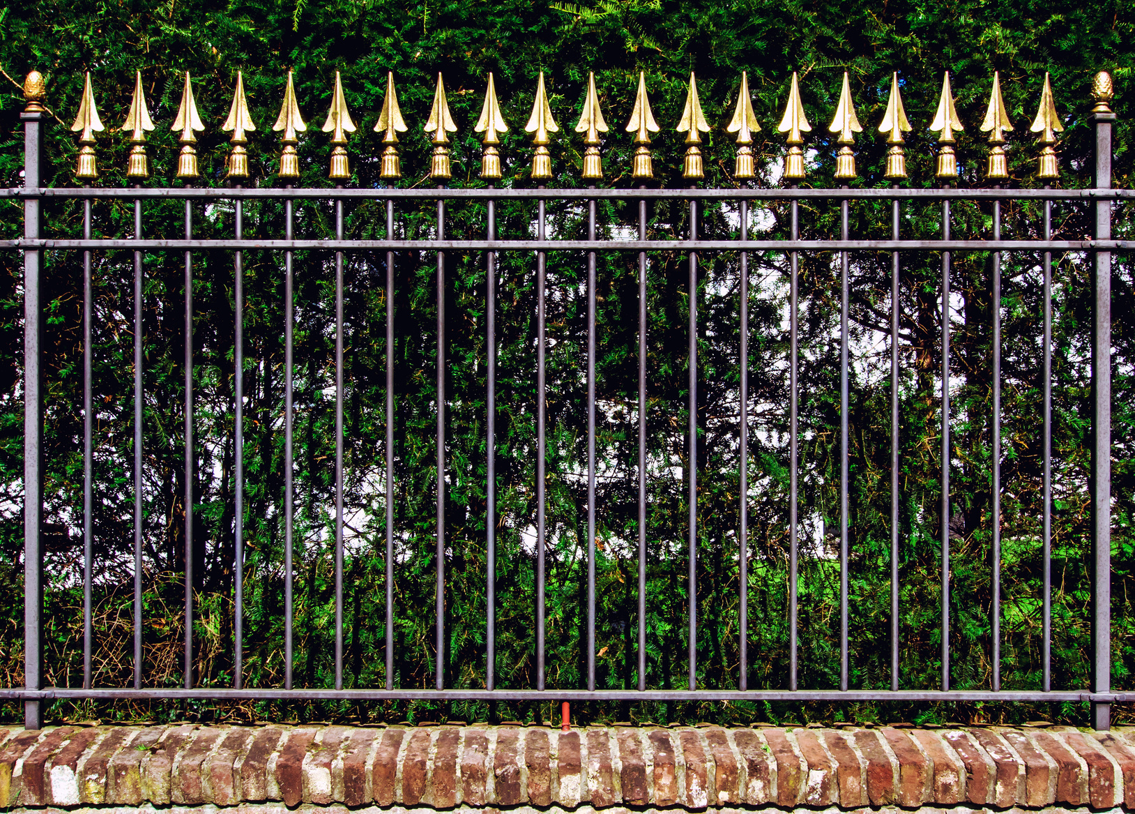 Decorative iron fence install knoxville